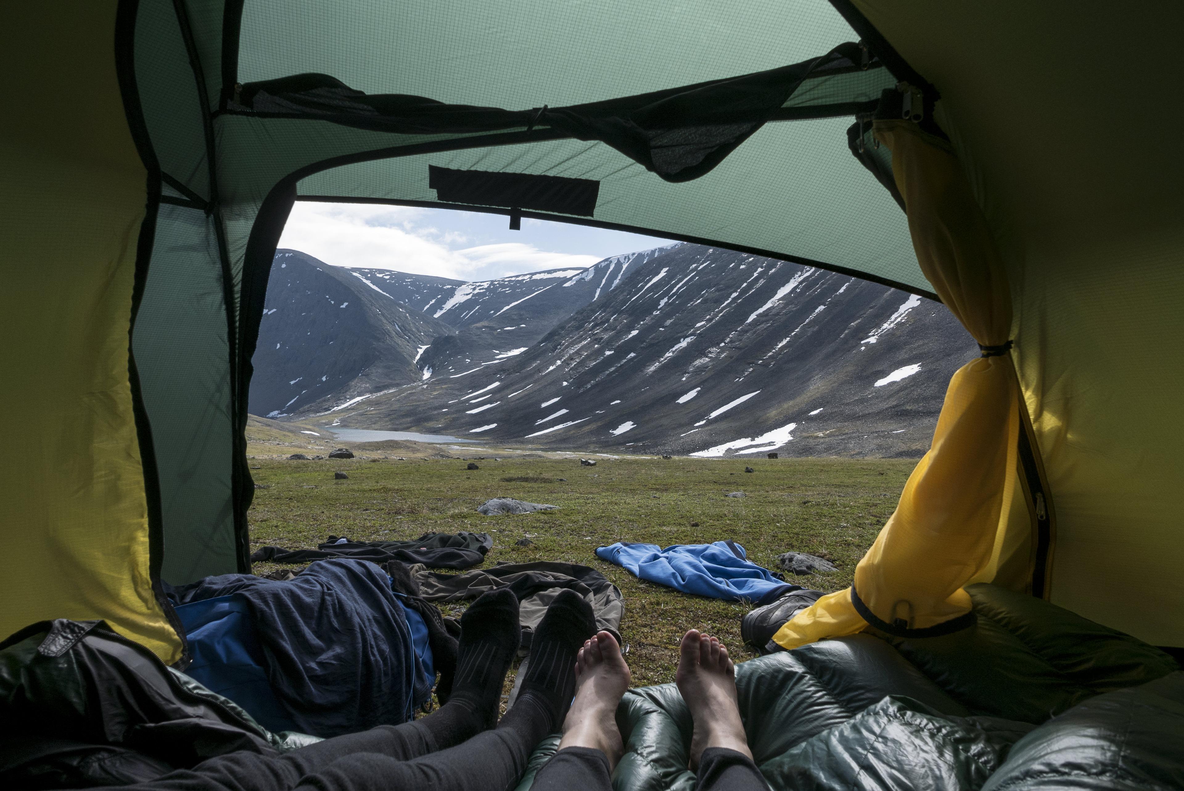 Blick aus dem Zelt – was für ein traumhafter Platz,©Markus Proske—Panasonic DMC-LX100, 24mm, 1/1000s, Blende 5.6, ISO 200