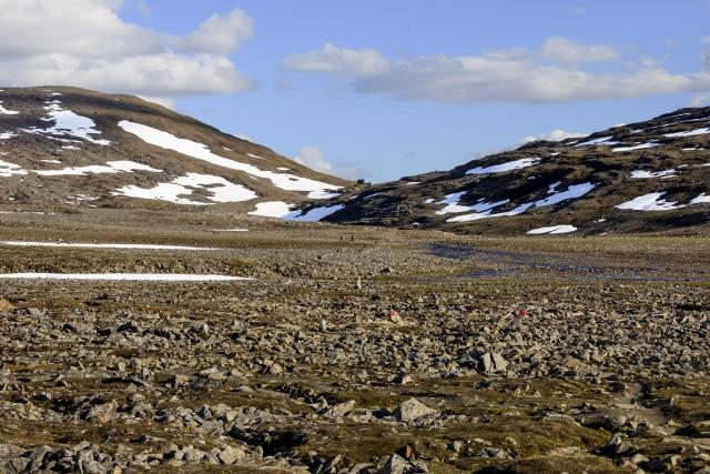 Noch nicht auf 1000m und schon extrem karge Landschaft,©Markus Proske—Canon EOS 5D Mark II, EF70-300mm f/4-5.6L IS USM, 70mm, 1/640s, Blende 8, ISO 200