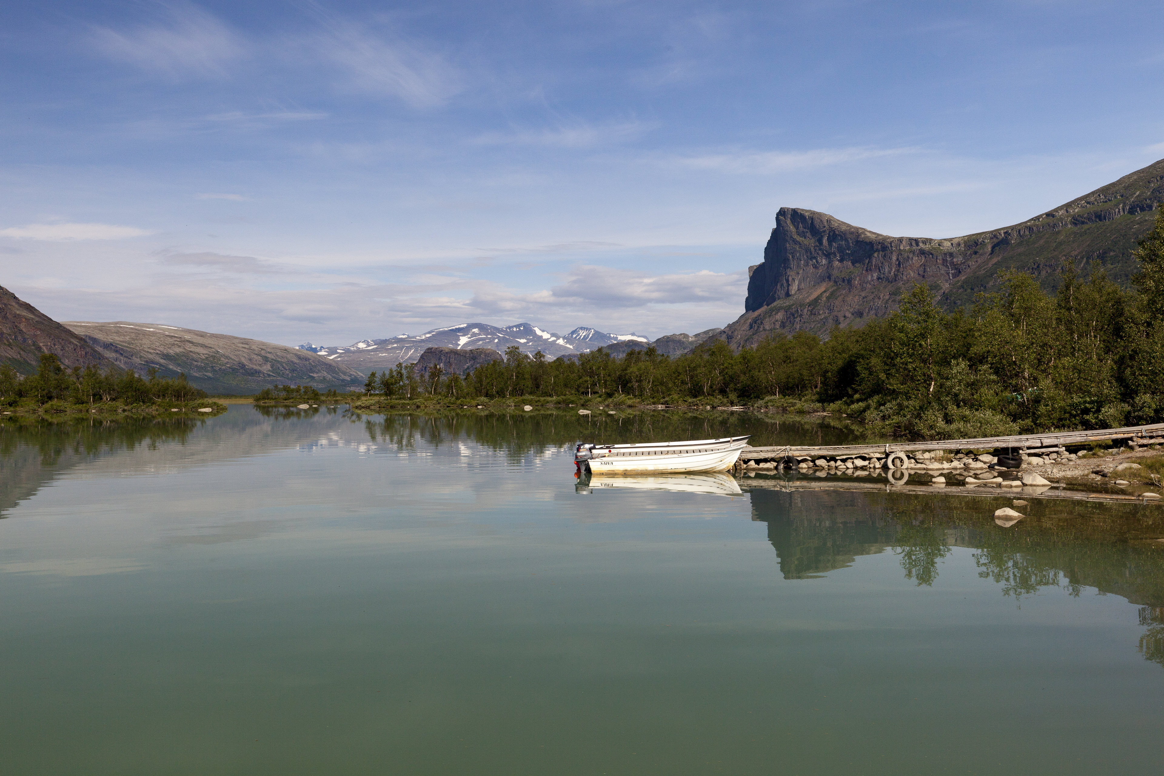 Blick in das Laitaure Delta mit Skierffe und  Nammásj