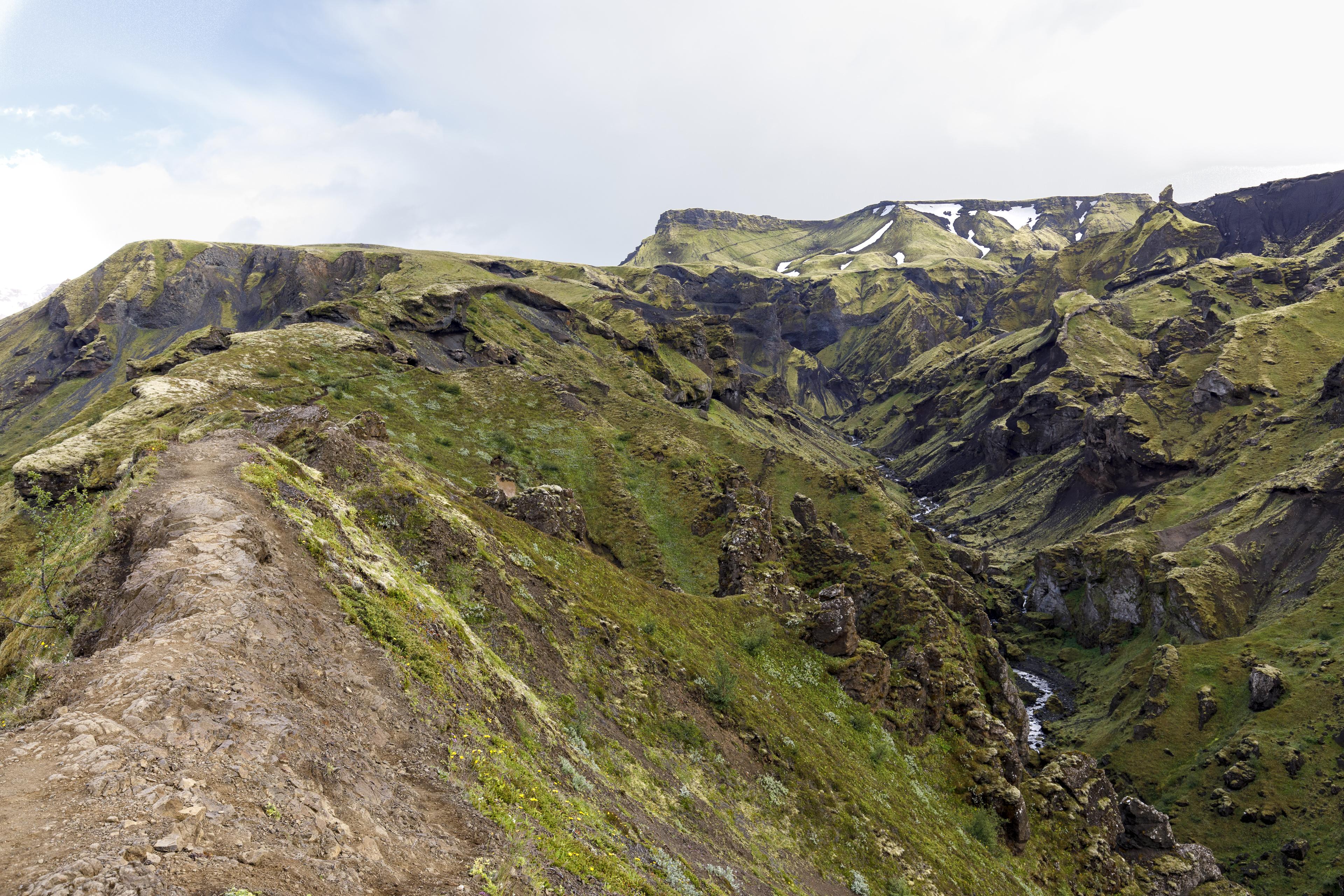 Der Weg verläuft auf dem Grat,©Markus Proske—Canon EOS 5D Mark IV, EF16-35mm f/4L IS USM, 28mm, 1/80s, Blende 8, ISO 400