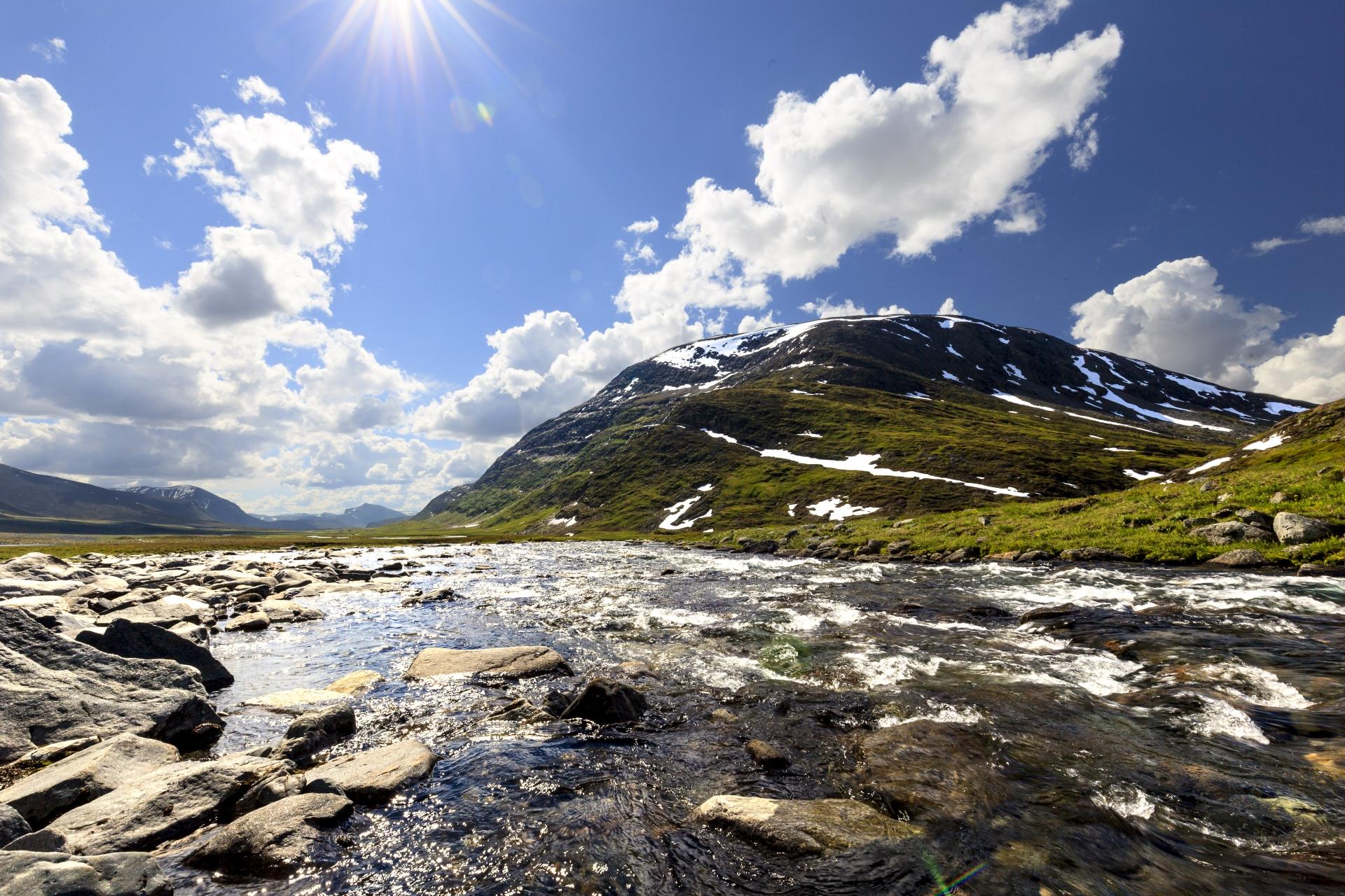 Tjäktjajåkka vor einerm Gipfel der Sälka-Gruppe