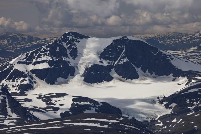 Sälka glaciär vom Gipfel des Kebnekaise aus fotografiert,©Markus Proske—Canon EOS 5D Mark II, EF70-300mm f/4-5.6L IS USM, 300mm, 1/640s, Blende 8, ISO 200