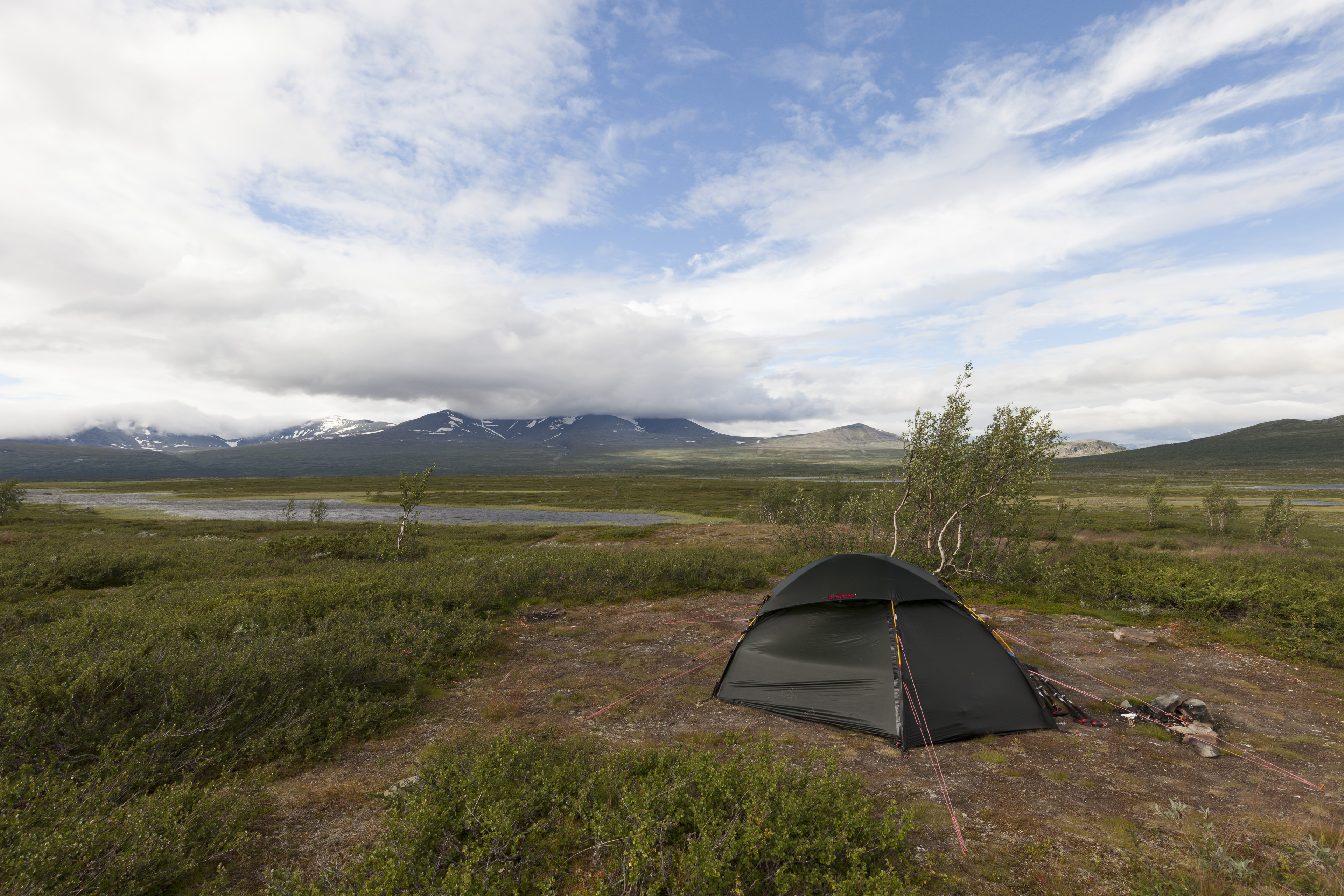 Unser Zeltplatz für zwei Tage,©Markus Proske—Canon EOS 5D Mark II, EF16-35mm f/4L IS USM, 16mm, 1/80s, Blende 11, ISO 200