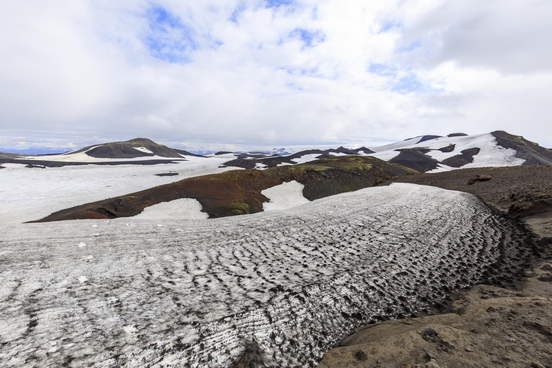 Abstieg von der Fimmvörðuskáli in die Þórsmörk