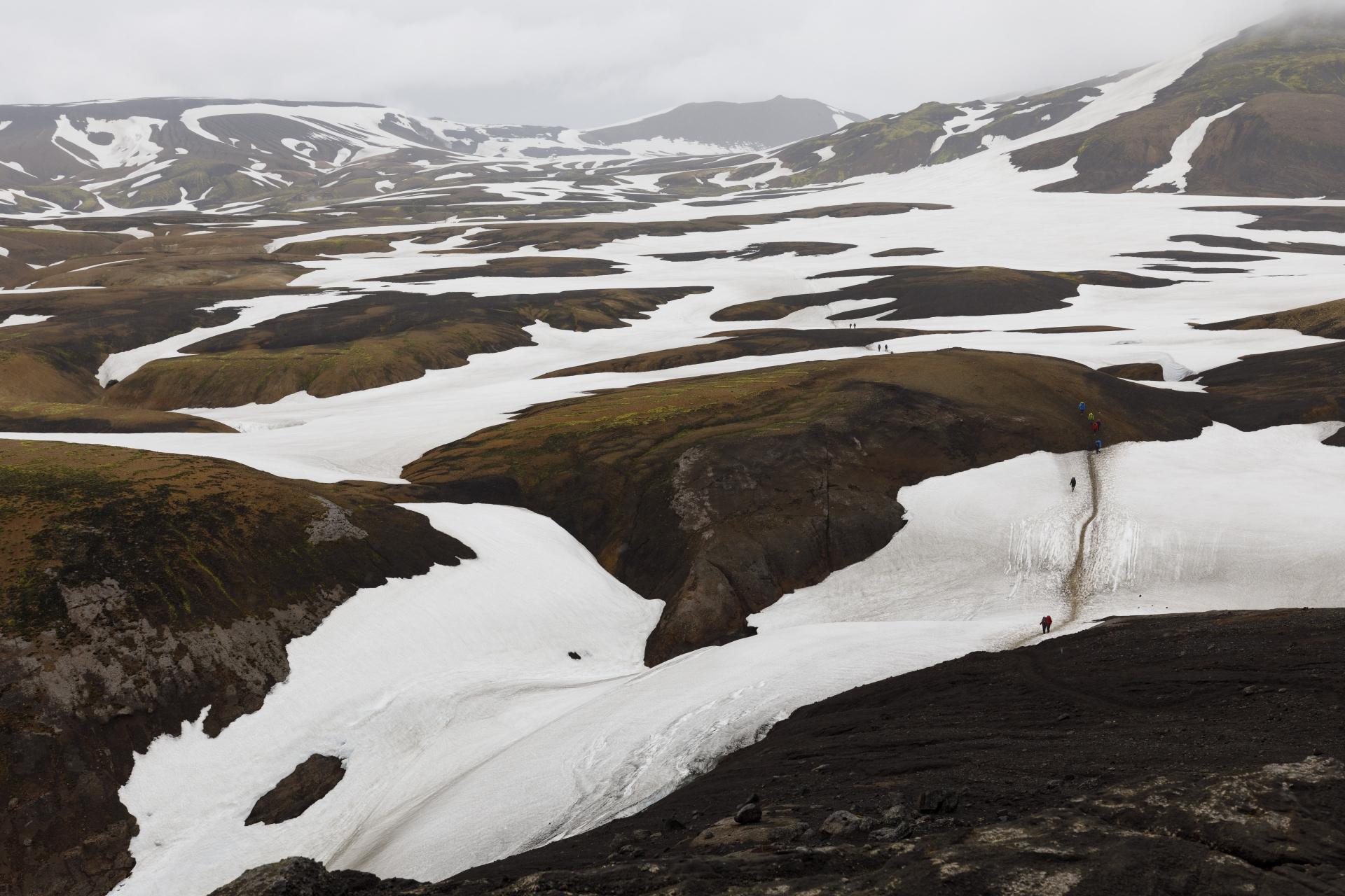 Breites Tal zwischen Hrafntinnusker und Reykjafjöll (rechts)