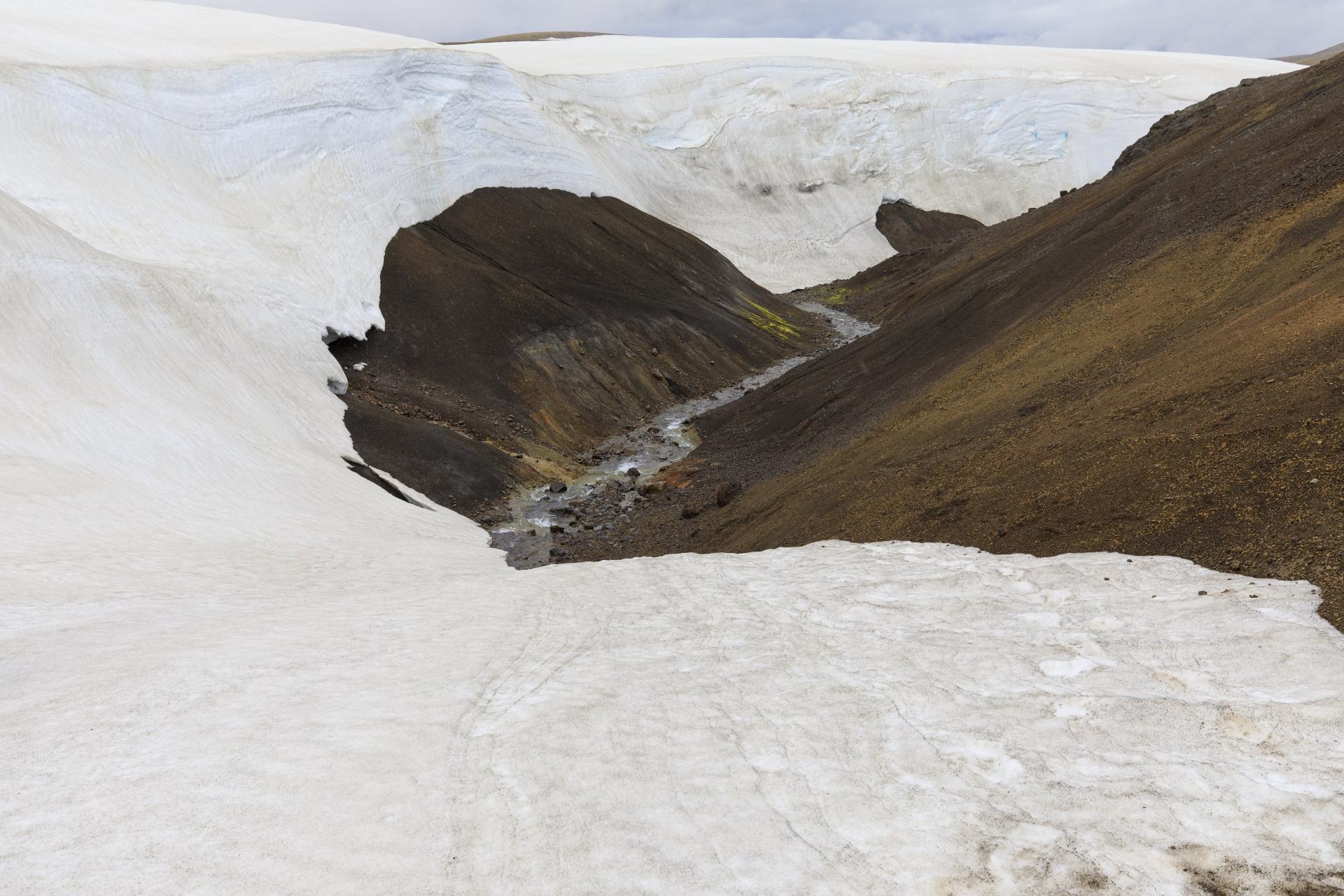 Mitte Juli und noch meterhohe Schneedecken