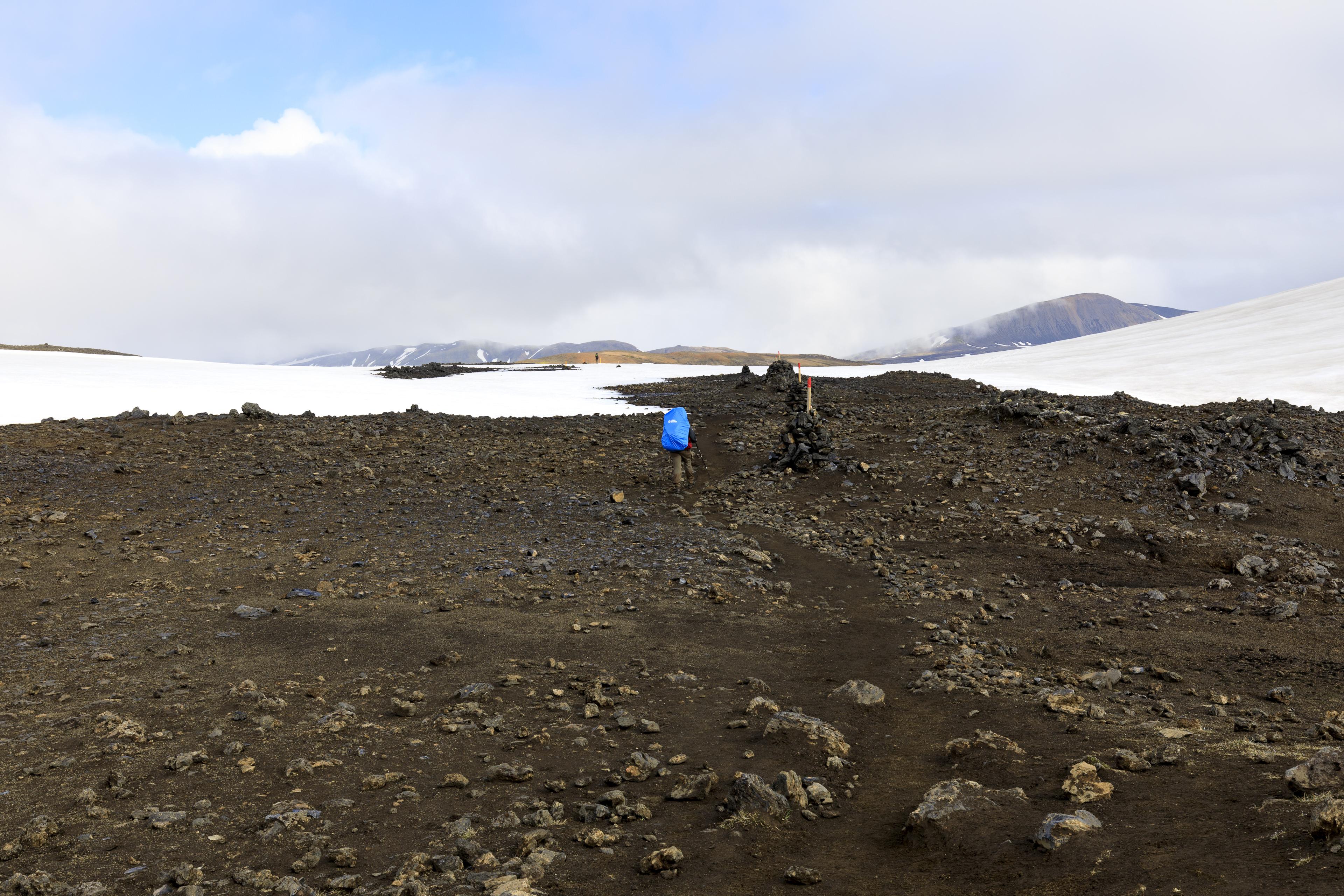 Weg über den Pass zwischen Söðull und Hrafntinnusker,©Markus Proske—Canon EOS 5D Mark IV, EF16-35mm f/4L IS USM, 35mm, 1/160s, Blende 11, ISO 200