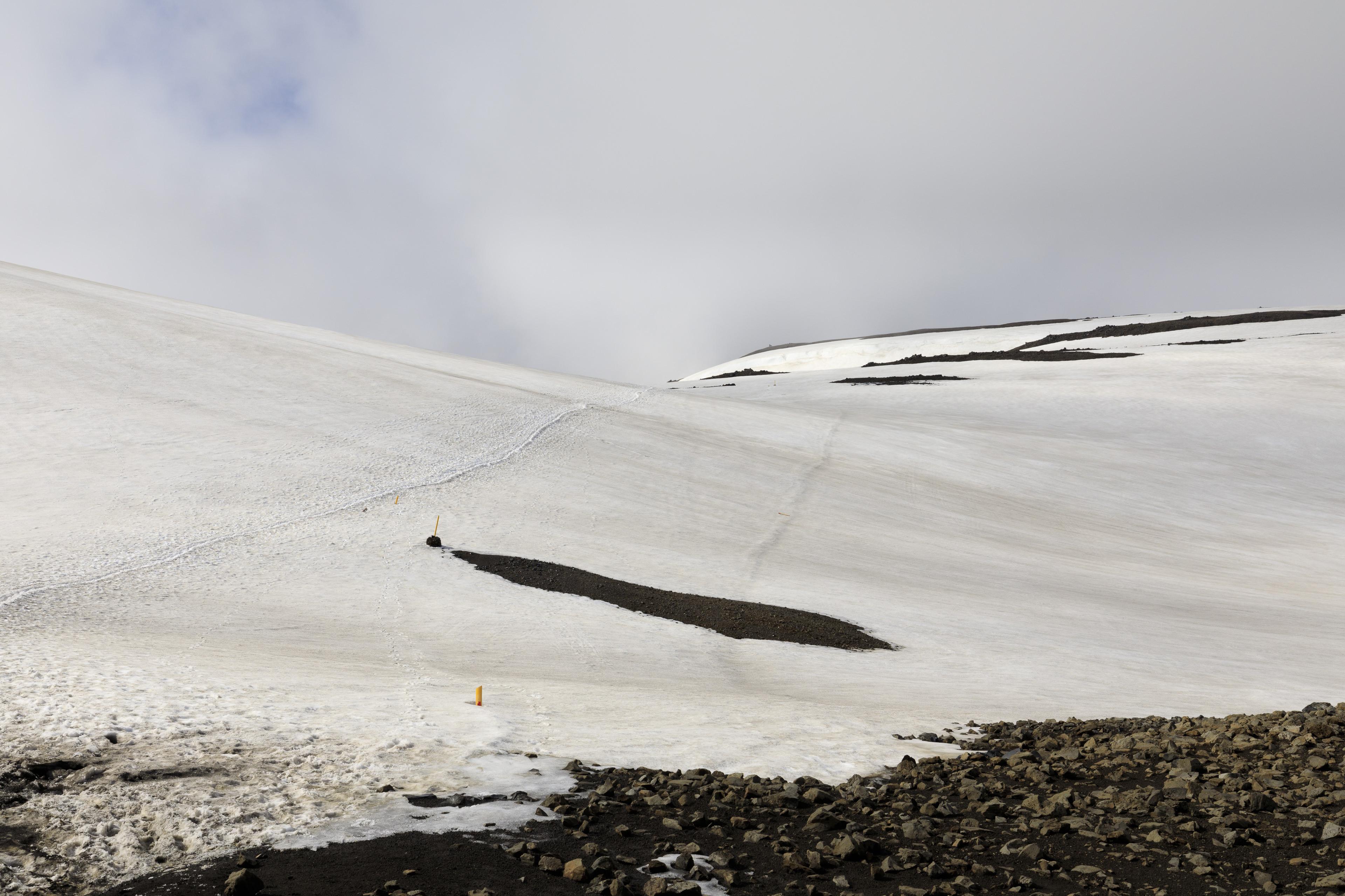 Blick zurück auf den Pass zwischen Söðull und Hrafntinnusker,©Markus Proske—Canon EOS 5D Mark IV, EF16-35mm f/4L IS USM, 35mm, 1/800s, Blende 11, ISO 200
