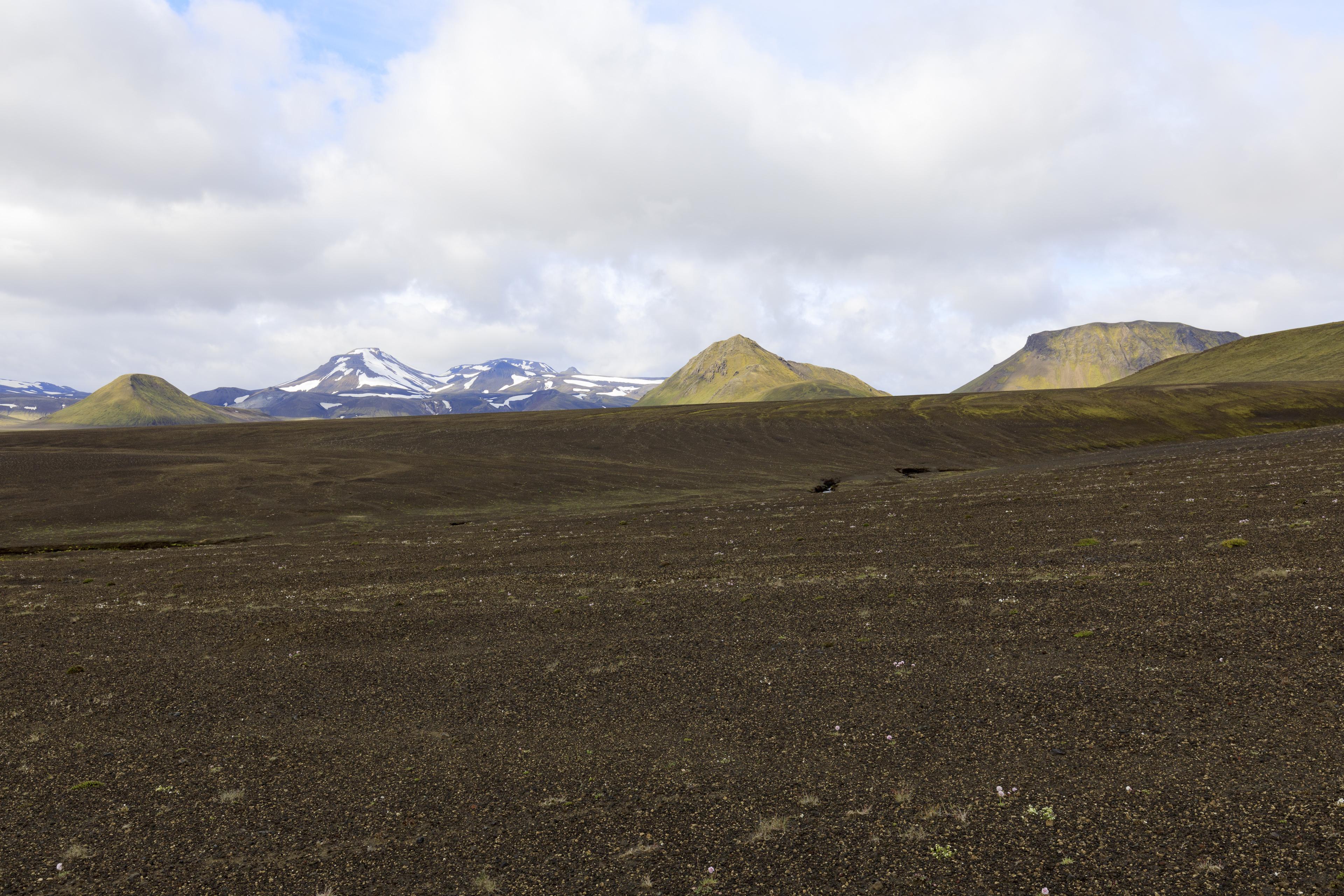 Blick von der Piste nach Süden,©Markus Proske—Canon EOS 5D Mark IV, EF16-35mm f/4L IS USM, 28mm, 1/125s, Blende 11, ISO 200