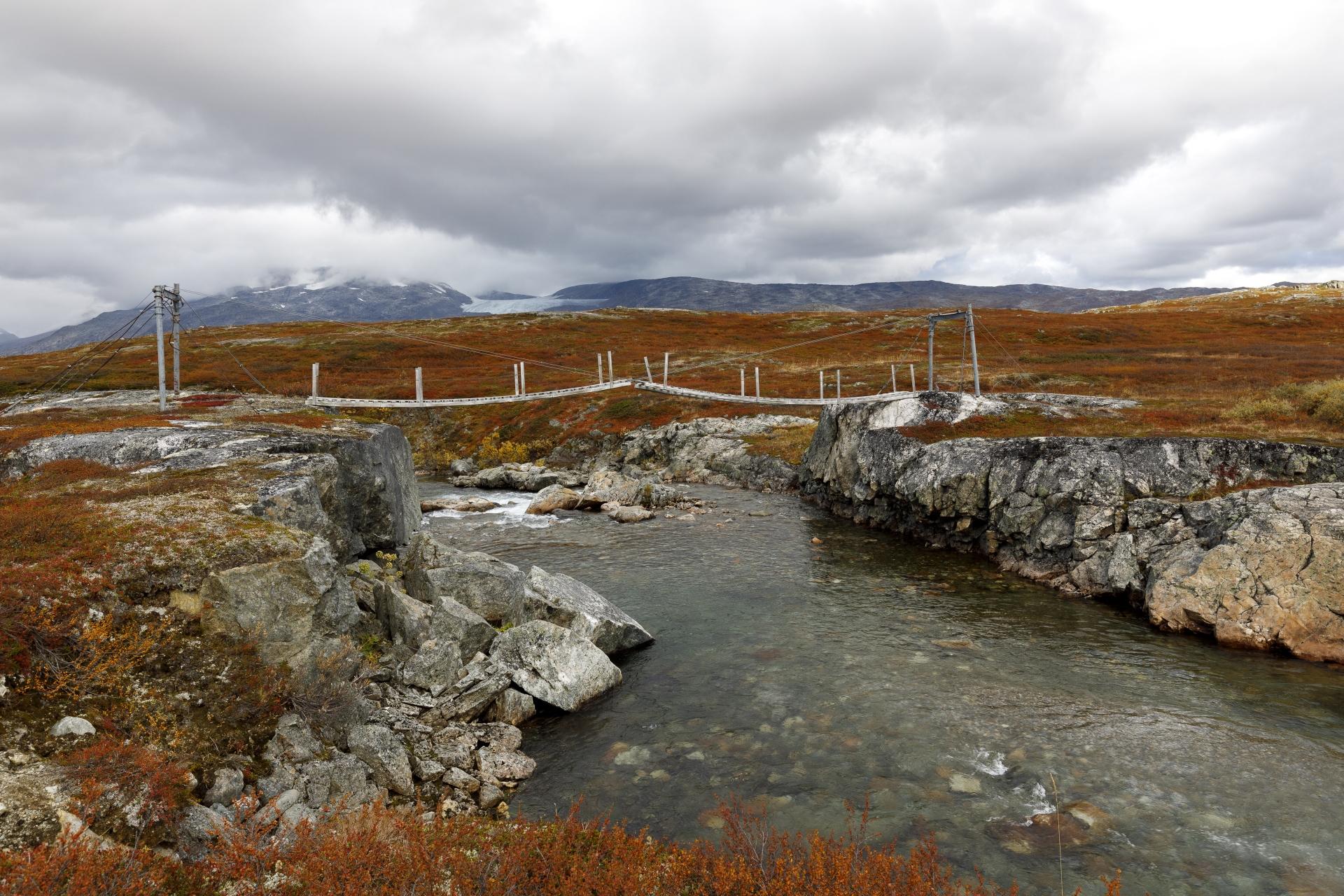 Norwegische Brückenbaukunst, hier über den Čáihnajohka