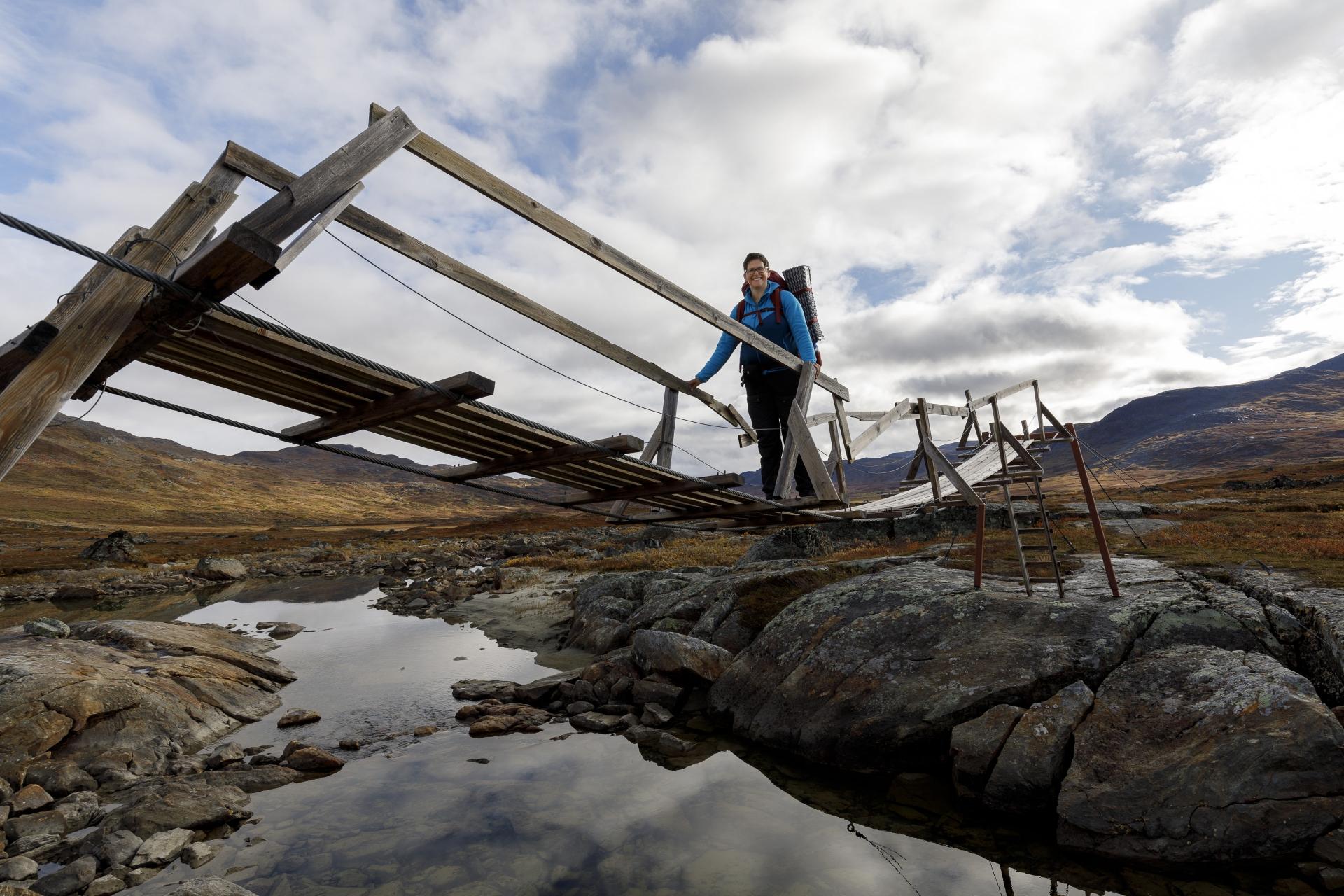 Elisabeth auf der Brücke über den Sealggajohka