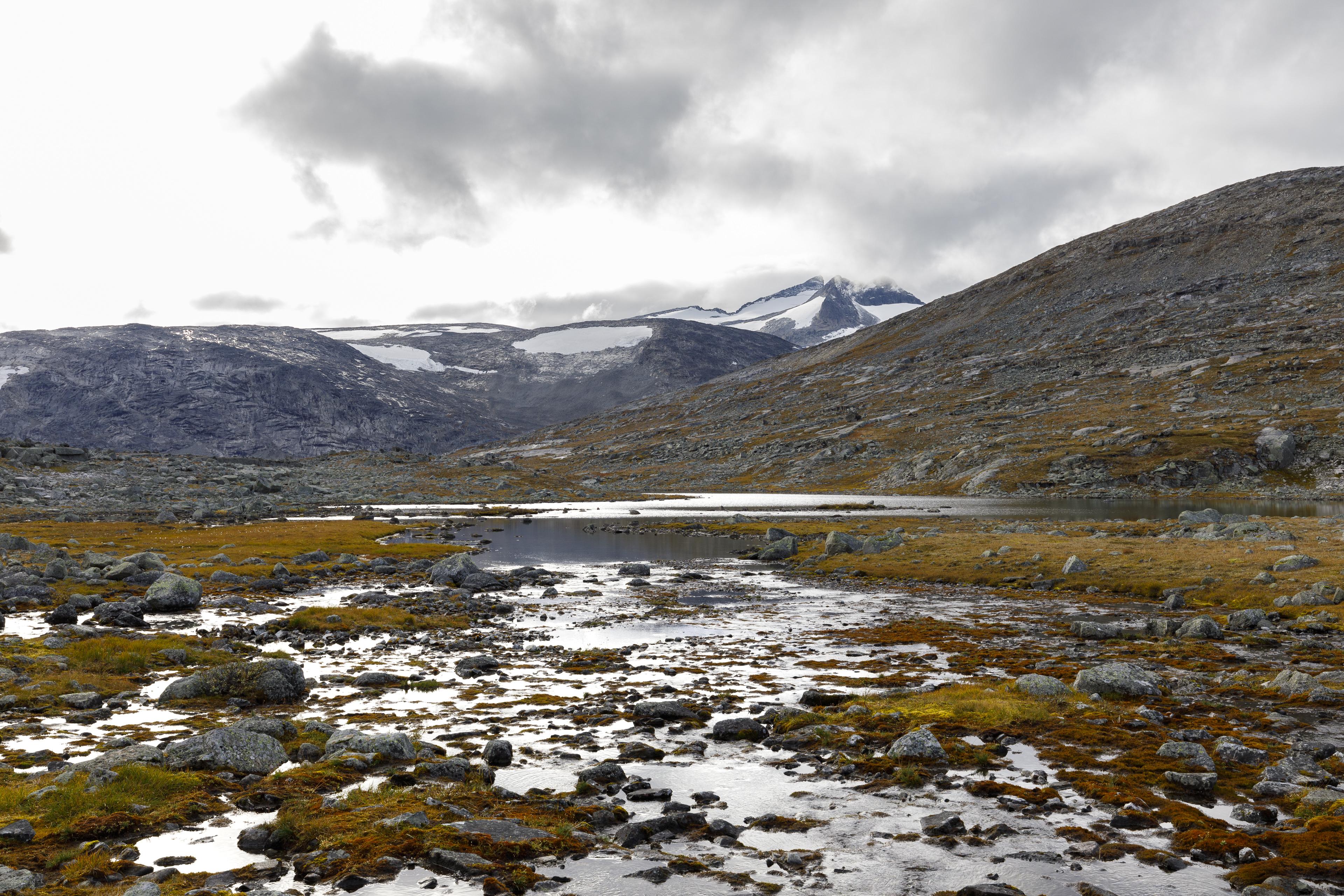Blick aus dem Oallavággi zurück auf das Storsteinsfjellet mit dem Sealggajiekna,©Markus Proske—Canon EOS 5D Mark IV, EF16-35mm f/4L IS USM, 35mm, 1/60s, Blende 11, ISO 125